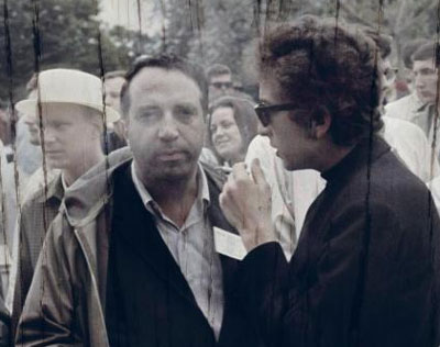 Robert Shelton and Bob Dylan Newport Folk Festival 1964 (photo copyright Ed Grazda from the back cover of No Direction Home Backbeat Books)
