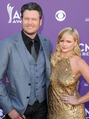 Blake Shelton and his wife Miranda Lambert at the CMA - all mouth but no manners (photo credit Hollywood Reporter)
