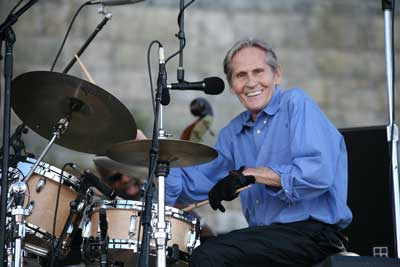 Levon Helm at Newport Folk Festival 2008 (photo credit WFUV Flickr Creative Commons non commercial)