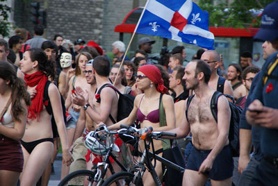 Montrealers protest in the nude (photo G. Morel Creative Commons)