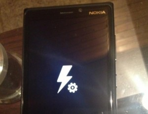 Nokia Lumia 920 bricked – locked with no where to go (dailymobile.net photo)