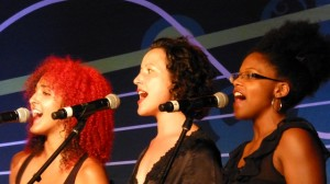 Erin Costello backup singers with Kirsten Olivia (photo S. Pate)